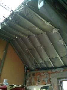 Утепление крыши пеноизолом